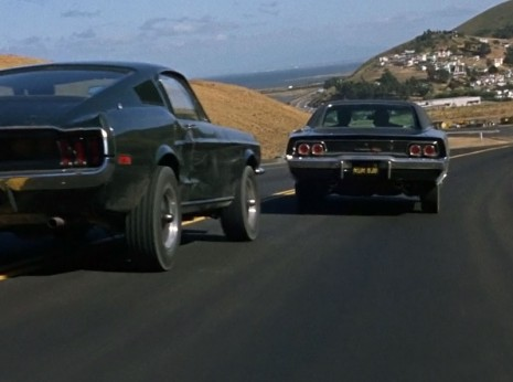 Charger RT vs Mustang
